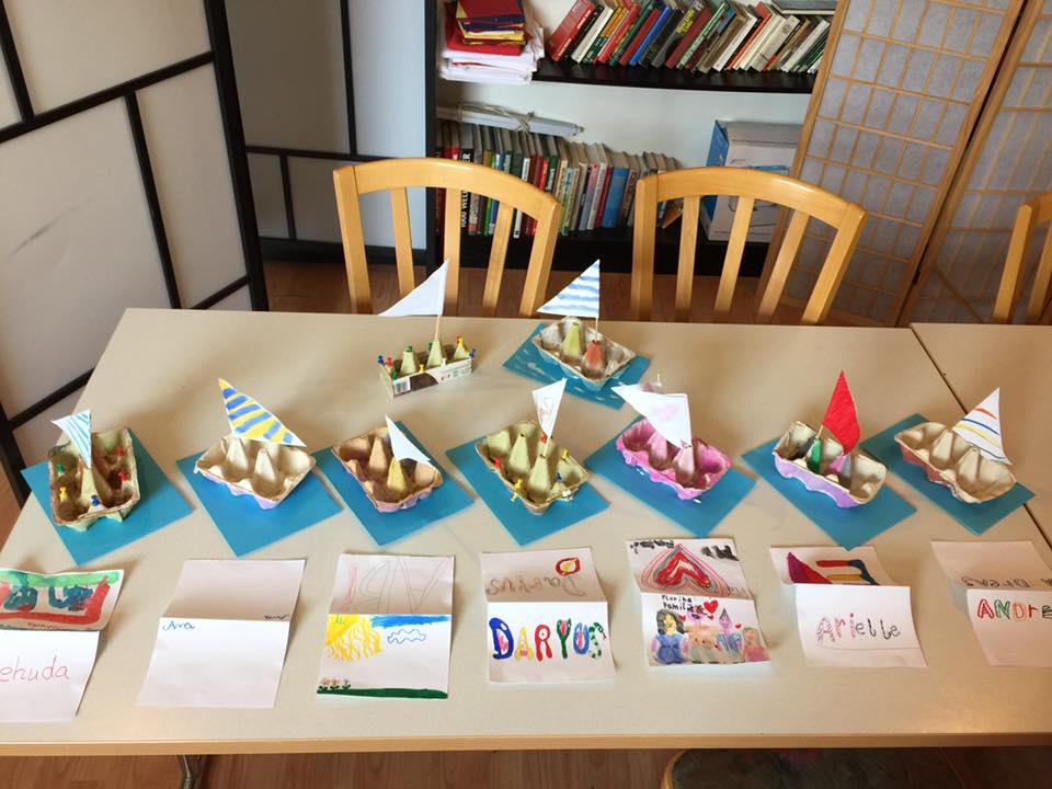 Lectii despre bunele maniere și confecționarea bărcuțelor